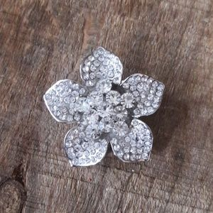 Beautiful Vintage Silver Crystal Flower Pin